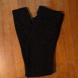 Athleta black leggings with pockets!